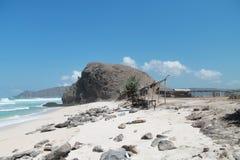 Praia com pedras Imagem de Stock Royalty Free