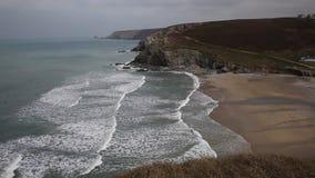 Praia Cornualha Inglaterra de Porthtowan video estoque