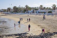 Praia Corralejo da cidade Imagem de Stock