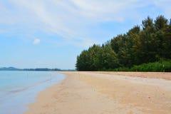 Praia da areia do mar Imagem de Stock