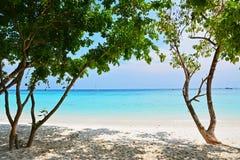 Praia da areia do mar Fotos de Stock Royalty Free