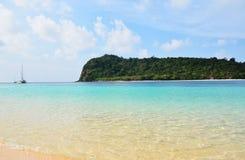 Praia da areia do mar Fotos de Stock