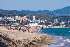 Praia da areia do mar em Badalona, Espanha Imagens de Stock