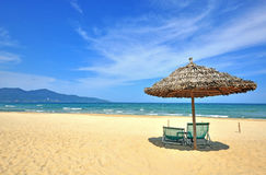 Praia da areia em Veitname imagem de stock