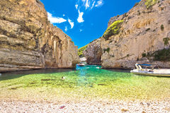 Praia da baía de Stinva na ilha do vis Foto de Stock