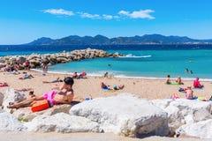 Praia da cidade de Cannes, dAzur da costa, França Foto de Stock
