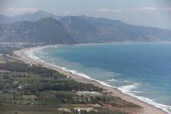 Praia da costa argelino em Kabylia Imagem de Stock