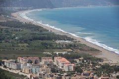 Praia da costa argelino em Kabylia Fotos de Stock