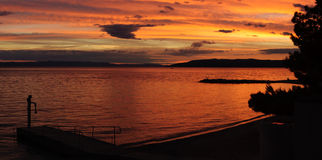 Praia da Croácia no por do sol Fotografia de Stock