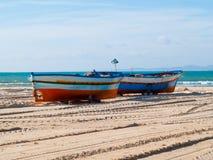 praia da Hammamet-Tunísia-cidade com os barcos na queda fotografia de stock