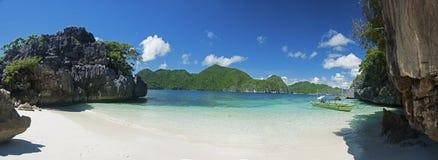 Praia da ilha de Caramoan Foto de Stock Royalty Free