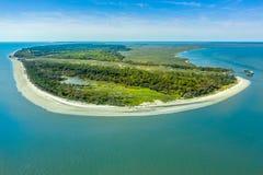 Praia da ilha de Jekyll da vista aérea imagem de stock