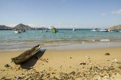 Praia da ilha de Komodo Fotografia de Stock Royalty Free