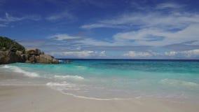 Praia da ilha no Oceano Índico em seychelles video estoque