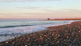 Praia da lua da manhã do nascer do sol video estoque
