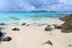 Praia da lua de mel - St John (USVI) foto de stock royalty free
