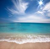 Praia da luz do sol Fotografia de Stock Royalty Free