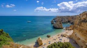 Praia DA Marinha dans l'Algarve, la plage la plus célèbre dans Portug Photographie stock libre de droits