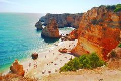 Praia da Marinha, Portogallo, una di spiagge più belle del mondo immagine stock libera da diritti
