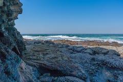 Praia da rocha de Shakas Imagem de Stock