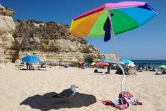 Praia da rocha gorący dzień Zdjęcie Royalty Free
