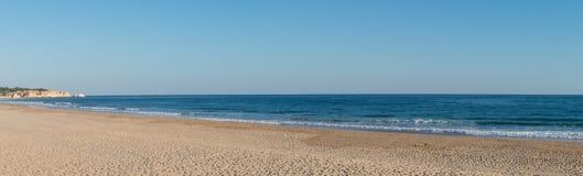 Praia de Alvor en Portimao, Algarve Imagenes de archivo