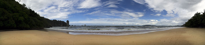 Praia de Aonang. Imagem de Stock