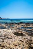 Praia de Balos Vista da ilha de Gramvousa, Creta em águas de turquesa de Greece A turquesa mágica molha, as lagoas, praias da are Imagem de Stock