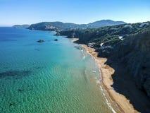 Praia de Blancas das águas situada na costa leste da ilha de Ibiza, Espanha imagem de stock