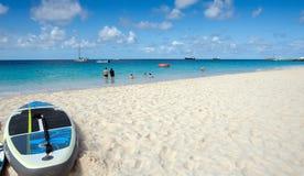 Praia de Bridgetown, Barbados - de Brownes - surfe na baía de Carlisle Imagem de Stock Royalty Free