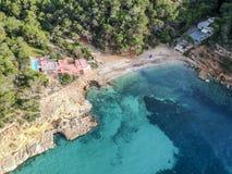 Praia de Cala Salada, Ibiza, Espanha fotos de stock
