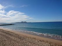 Praia de Cannes Foto de Stock Royalty Free