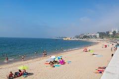 Praia de Caxias em Caxias, Portugal imagem de stock royalty free