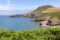 Praia de Cilborth e Pendinas Lochdyn imagem de stock