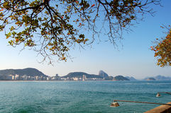 Praia de Copacabana e naco de açúcar Imagem de Stock