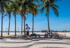 Praia de Copacabana em Rio de Janeiro Fotografia de Stock