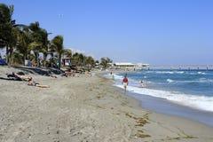 Povos na praia de Dania Foto de Stock Royalty Free
