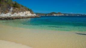 Praia de Esperanza do La. Snorkeling. Huatulco, México Imagem de Stock Royalty Free