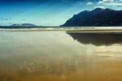Praia de Famara, Lanzarote, Ilhas Canárias, Spain foto de stock royalty free