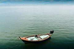 Praia de Hua- Hin. e barco, Foto de Stock Royalty Free