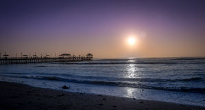 Praia de Huanchaco e cais - Trujillo, Peru imagens de stock royalty free