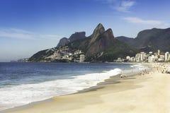 Praia de Ipanema na manhã Fotografia de Stock Royalty Free