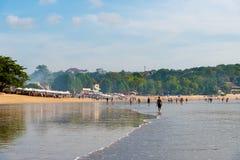 Praia de Jimbaran, uma de atrações populares em Bali, Indonésia Fotografia de Stock Royalty Free