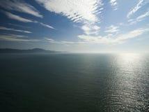 Praia de Jurere da vista aérea em Florianopolis, Brasil Em julho de 2017 Foto de Stock