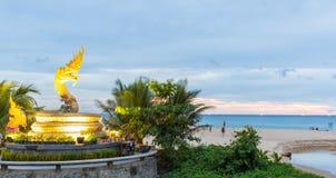 Praia de Karon na ilha Tailândia de Phuket Fotografia de Stock Royalty Free