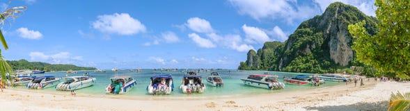 Praia de Ko Phi Phi Don - Krabi, Tailândia Foto de Stock Royalty Free