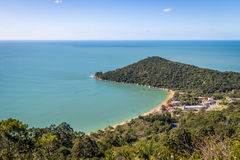 Praia de Laranjeiras Beach - Balneario Camboriu,圣卡塔琳娜州,巴西鸟瞰图  库存图片