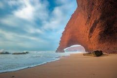 Praia de Legzira, Marrocos Fotos de Stock