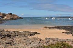 Praia de Majanicho da paisagem na Espanha das Ilhas Canárias de Fuerteventura Fotografia de Stock Royalty Free