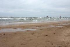 Praia de Michigan de lago no inverno fotografia de stock